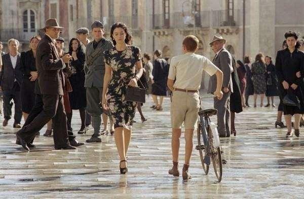 豆瓣评分8.8《西西里的美丽传说》揭露人性最丑陋的恶